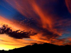 20080320135442-300px-sunset02.jpg